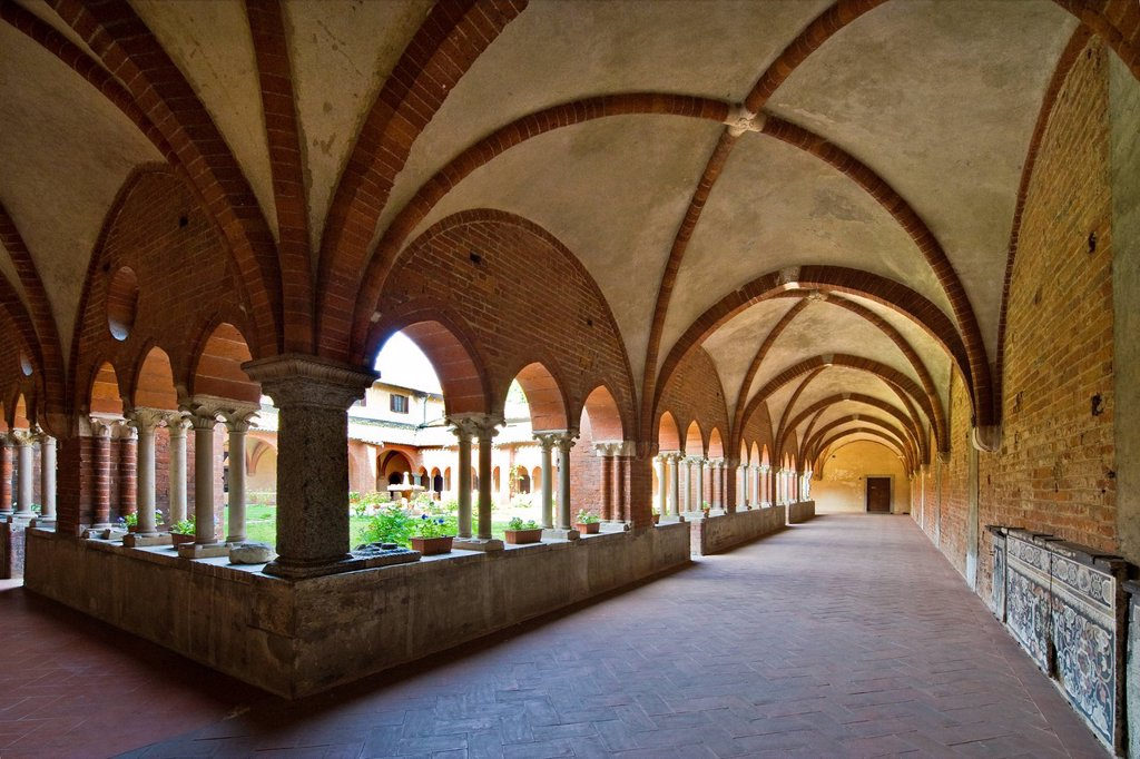 Cloister, Chiaravalle Abbey, Milan. Cloister, Chiaravalle Abbey, Milan : Stock Photo