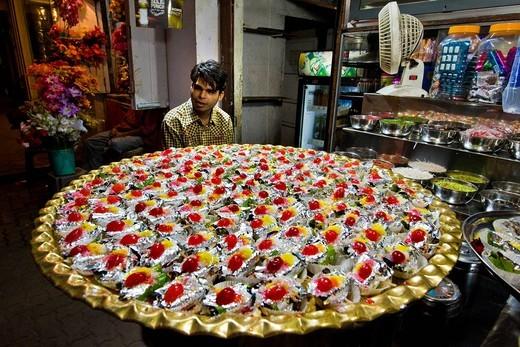 Stock Photo: 3153-826069 candy seller, Mumbai, India. candy seller, Mumbai, India