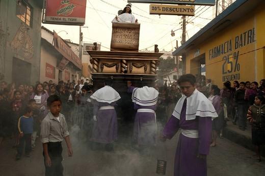 Stock Photo: 3153-833636 processione pasquale, santo tomás chichicastenango, guatemala. Easter Procession, Chichicastenango, Guatemala.