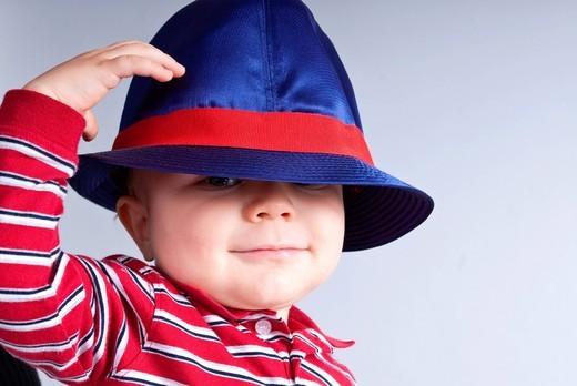 bambino con cappello. kid with hat : Stock Photo