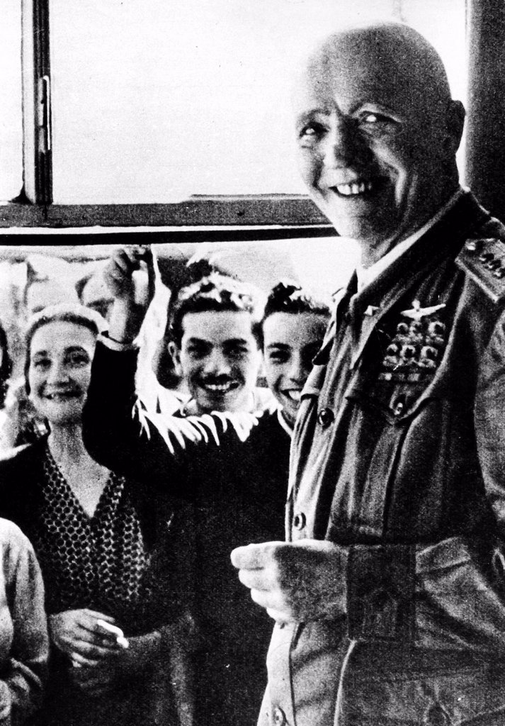 maresciallo Pietro Badoglio a Brindisi, 11 settembre 1943. Marshal Pietro Badoglio in Brindisi, 11 September 1943 : Stock Photo