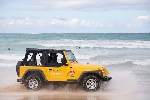 Stock Photo: 3153-838382 jeep in riva al mare, zona di punta cana, hispaniola, repubblica dominicana, caraibi. jeep on the seashore, the area of Punta Cana, Hispaniola, Dominican Republic, Caribbean
