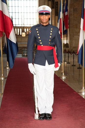 Stock Photo: 3153-838502 guardia al pantheon nacional, santo domingo, hispaniola, repubblica dominicana, caraibi. guard at the pantheon nacional, santo domingo, hispaniola, dominican republic, caribbean