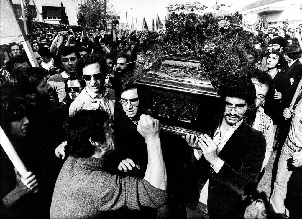 Stock Photo: 3153-838608 Funerali di Claudio Varalli, 1975. funeral of Claudio Varalli, 1975