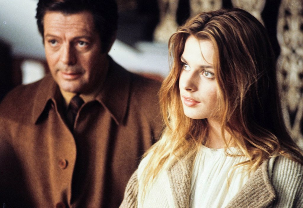Stock Photo: 3153-841423 marcello mastroianni e Nastassja Kinski in Così come sei. marcello mastroianni Nastassja Kinski in Stay As You Are
