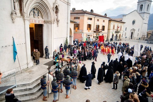 processione per le celebrazioni benedettine, norcia, umbria, italia. Benedictine celebrations, Norcia, Umbria, Italy : Stock Photo