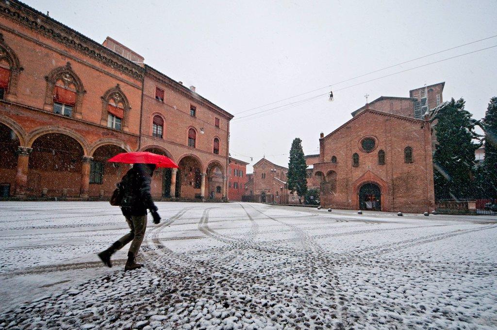 Stock Photo: 3153-842491 piazza santo stefano, bologna, emilia romagna, italia. piazza santo stefano, bologna, emilia romagna, italy