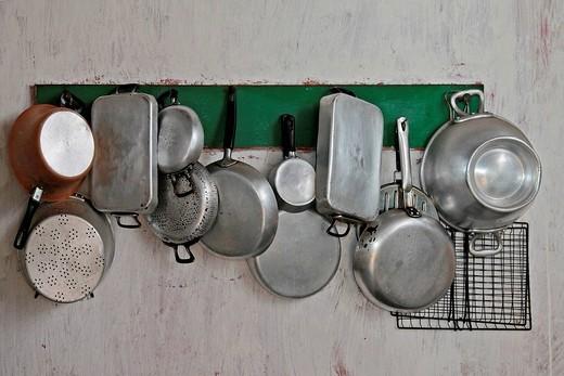 vecchie pentole. old pots : Stock Photo