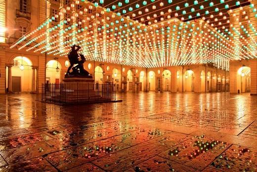 piazza palazzo di città, torino, piemonte, italia. piazza palazzo di città, torino, piemonte, italy : Stock Photo