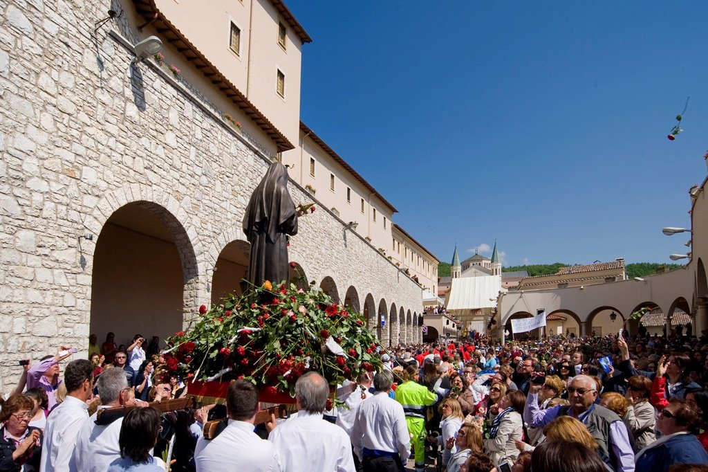 Stock Photo: 3153-850203 celebrazioni ritiane, cascia, umbria, italia. festivity dedicated to St. Rita, Cascia, Umbria, Italy
