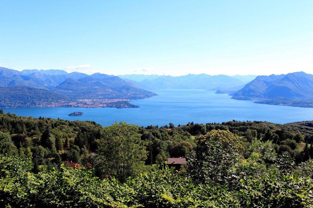 lago maggiore, verbania, isola madre e ramo svizzero, piemonte, italia. lago maggiore, verbania, piedmont, italy : Stock Photo