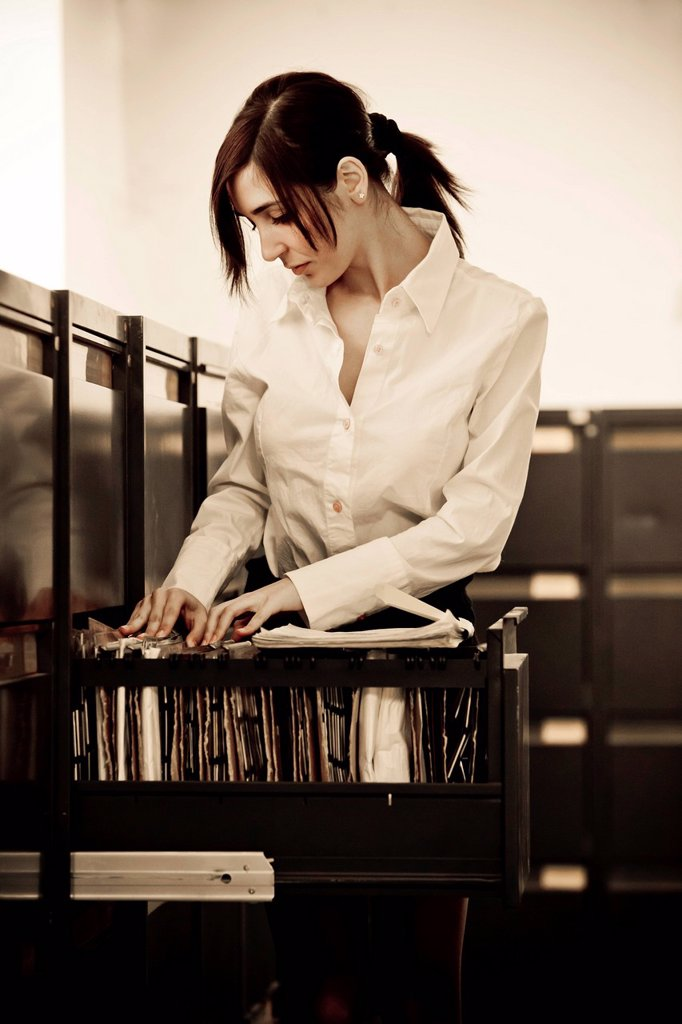 ragazza al lavoro, archivio. girl at work, archive : Stock Photo