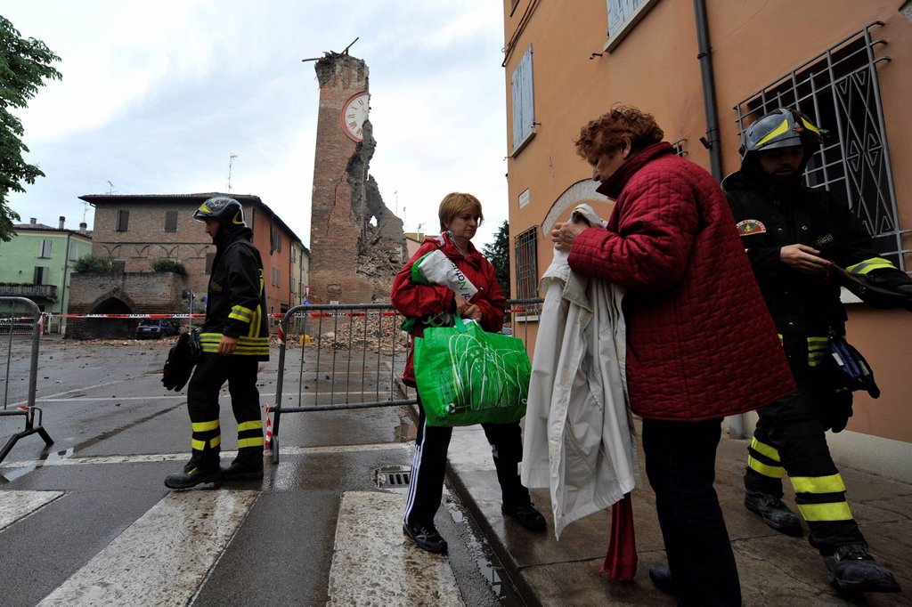 Stock Photo: 3153-853124 terremoto in emilia, sfollati, resti della torre dei modenesi a finale emilia, maggio 2012. earthquake in emilia, remains of torre dei modenese, finale emilia, may 2012