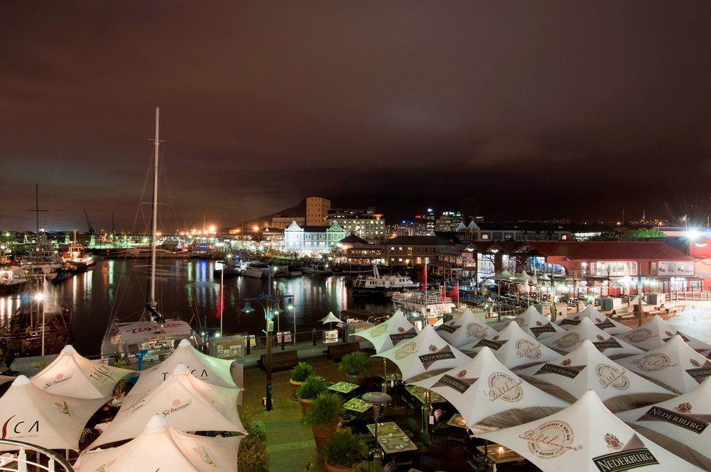 Stock Photo: 3153-854116 victoria & alfred waterfront, cape town, sudafrica. V & A Waterfront at dusk, Cape Town, South Africa.