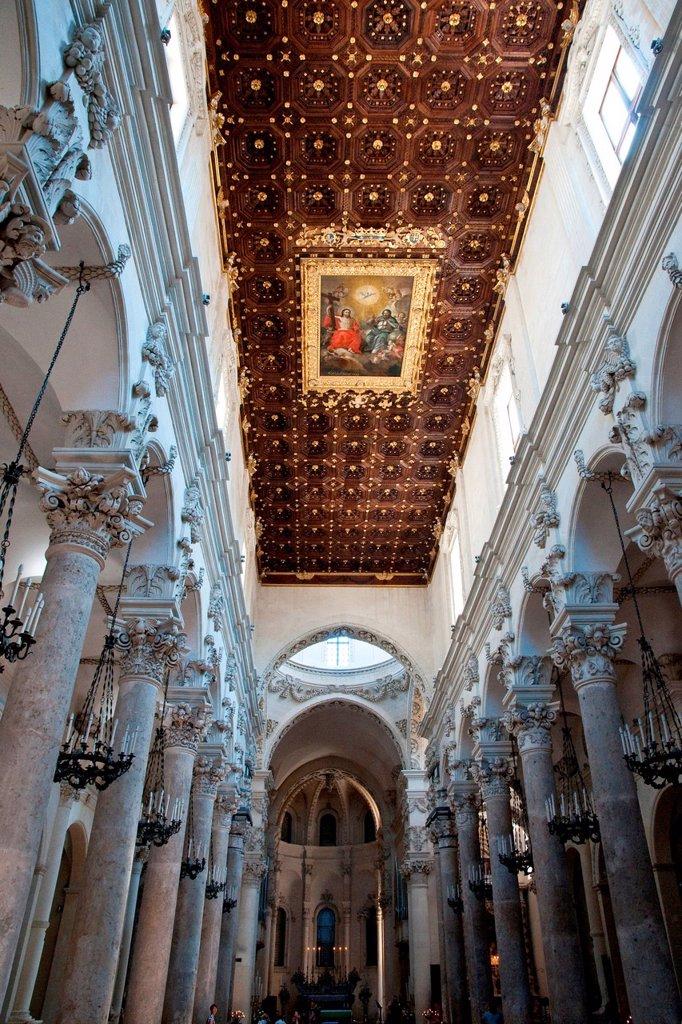 Stock Photo: 3153-854185 soffitto della chiesa di santa croce, lecce, italia. santa croce church, lecce, puglia, italy