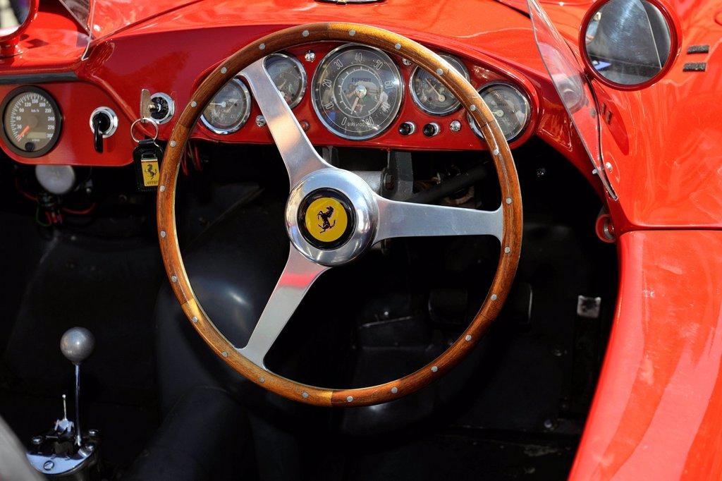Stock Photo: 3153-855854 ferrari, 1000 miglia 2012, brescia, italia. ferrari, 1000 miglia 2012, brescia, italy