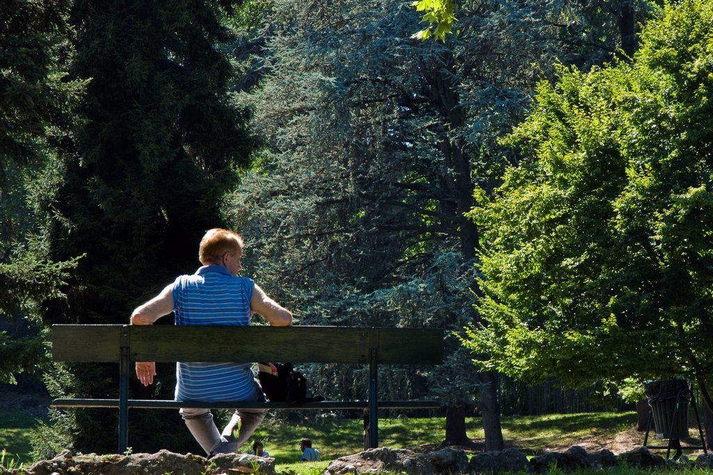 Stock Photo: 3153-855998 italia, piemonte, torino, villaggio medievale, giardino pubblico. Italy, Piedmont, Turin, medieval village garden