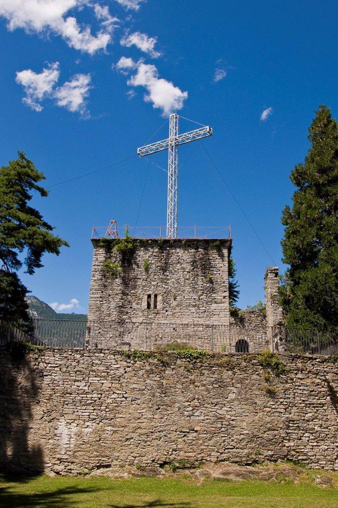 Stock Photo: 3153-857149 italia, piemonte, domodossola, sacro monte calvario. Italy, Piedmont, Domodossola, Sacred Mount Calvary