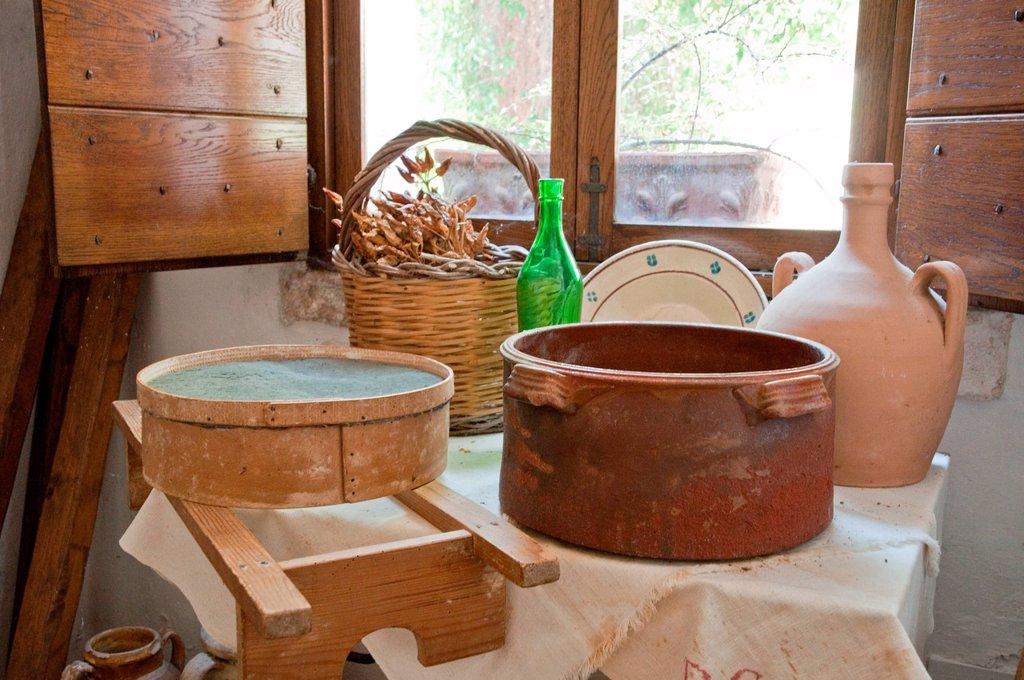 Stock Photo: 3153-860665 interno di un trullo, alberobello, puglia, italia. interior of a trullo, alberobello, puglia, italy
