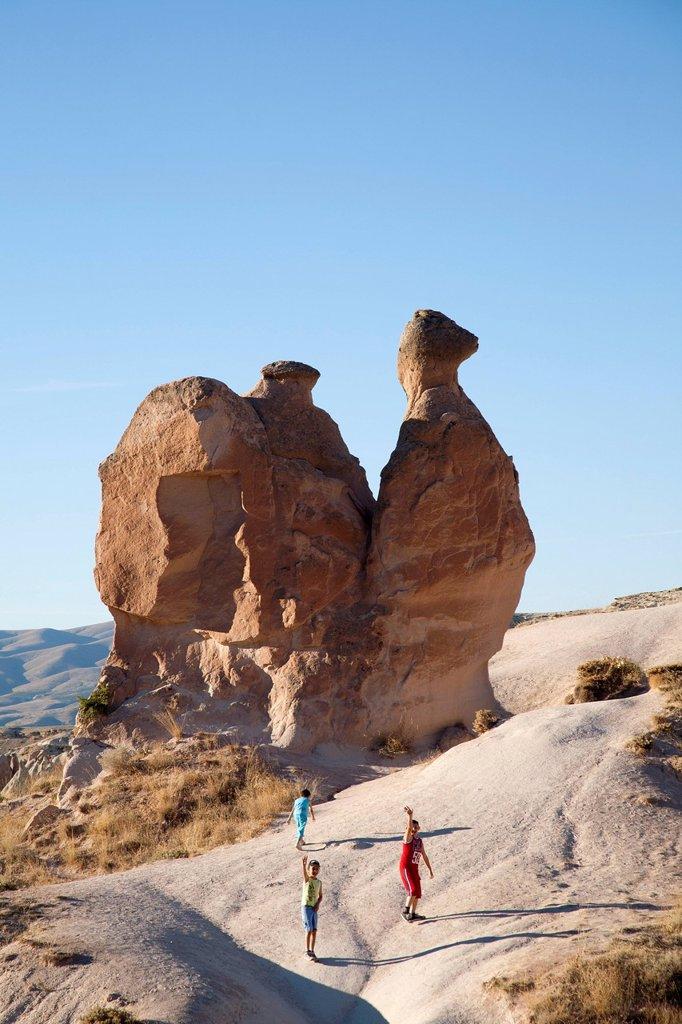 Stock Photo: 3153-860825 roccia a forma di cammello, valle di devrenet, paesaggio intorno a goreme, cappadocia, anatolia, turchia, asia. camel_shaped rock, devrenet valley, landscape around goreme, cappadocia, anatolia, turkey, asia