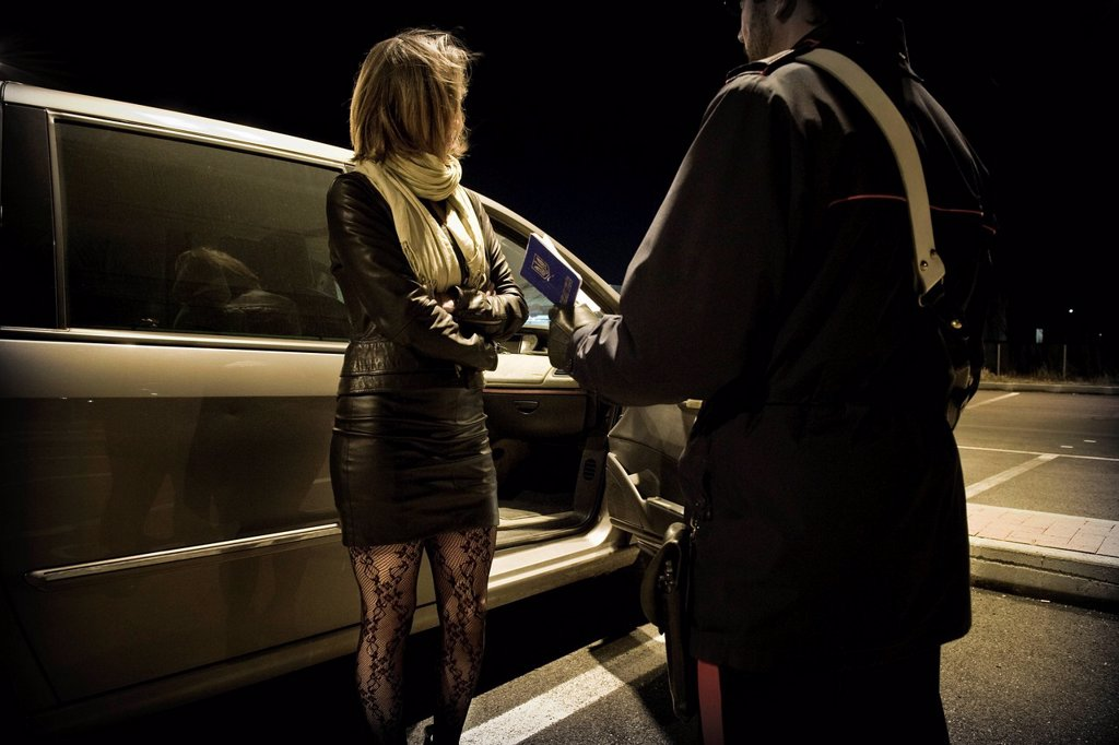 Stock Photo: 3153-861373 controllo della polizia, prostituzione, provincia di milano, italia. Control of the police, Prostitution, Milan province, Italy