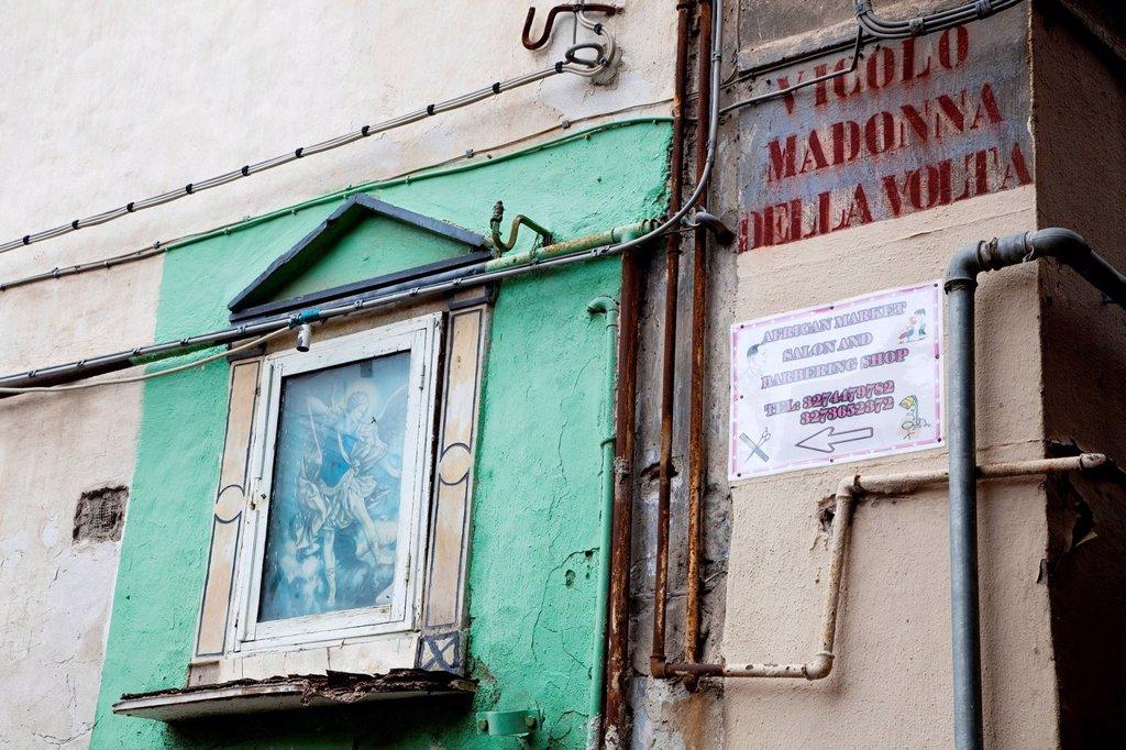 Stock Photo: 3153-861732 vicolo madonna della volta in Palermo, Sicilia, italia. Religious painting in Palermo, Sicily, Italy