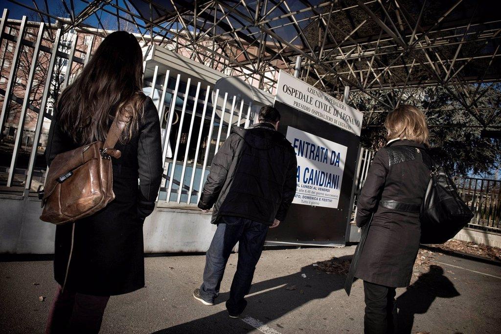Stock Photo: 3153-862027 controlli sanitari in ospedale, prostituzione, provincia di milano, italia. Welfare, health checks in hospital. Prostitution, Milan province, Italy