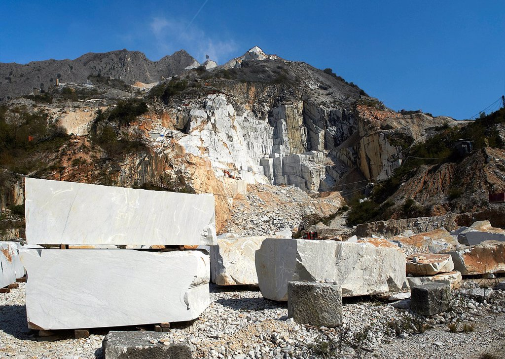 Stock Photo: 3153-862578 cave di marmo, colonnata, toscana, italia. quarries of marble, colonnata, tuscany, italy