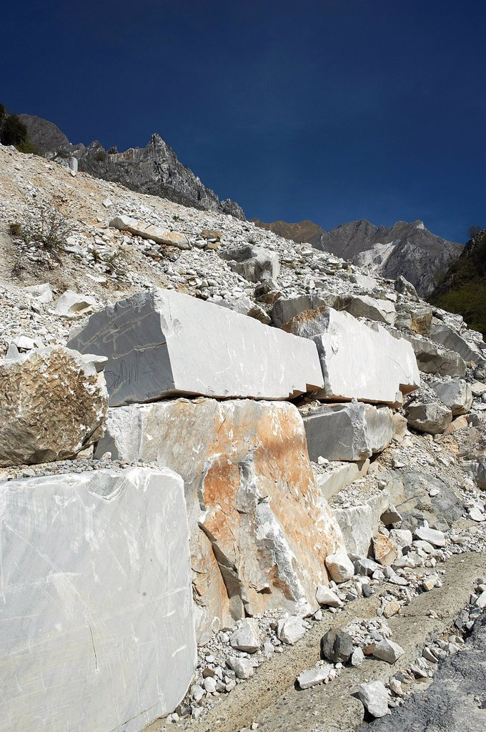 cave di marmo, colonnata, toscana, italia. quarries of marble, colonnata, tuscany, italy : Stock Photo
