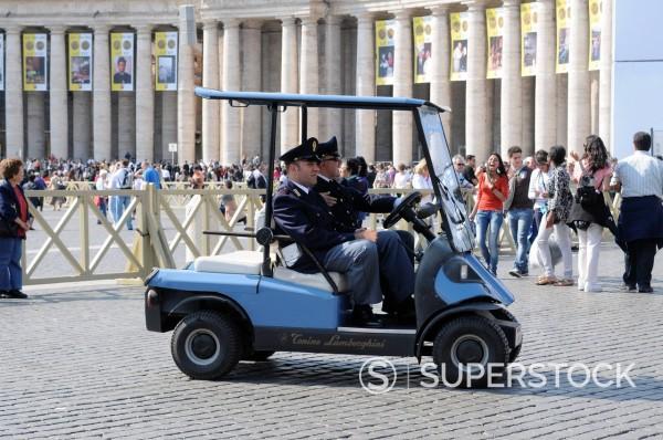 Stock Photo: 3153-862744 preparativi per l´evento di beatificazione di papa giovanni paolo II, roma 29 aprile 2011. Preparations for the event for the beatification of Pope John Paul II, Rome April 29, 2011