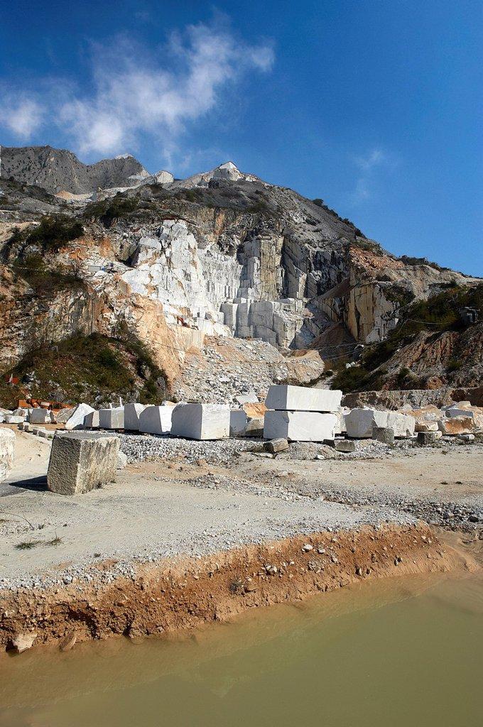 Stock Photo: 3153-862774 cave di marmo, colonnata, toscana, italia. quarries of marble, colonnata, tuscany, italy