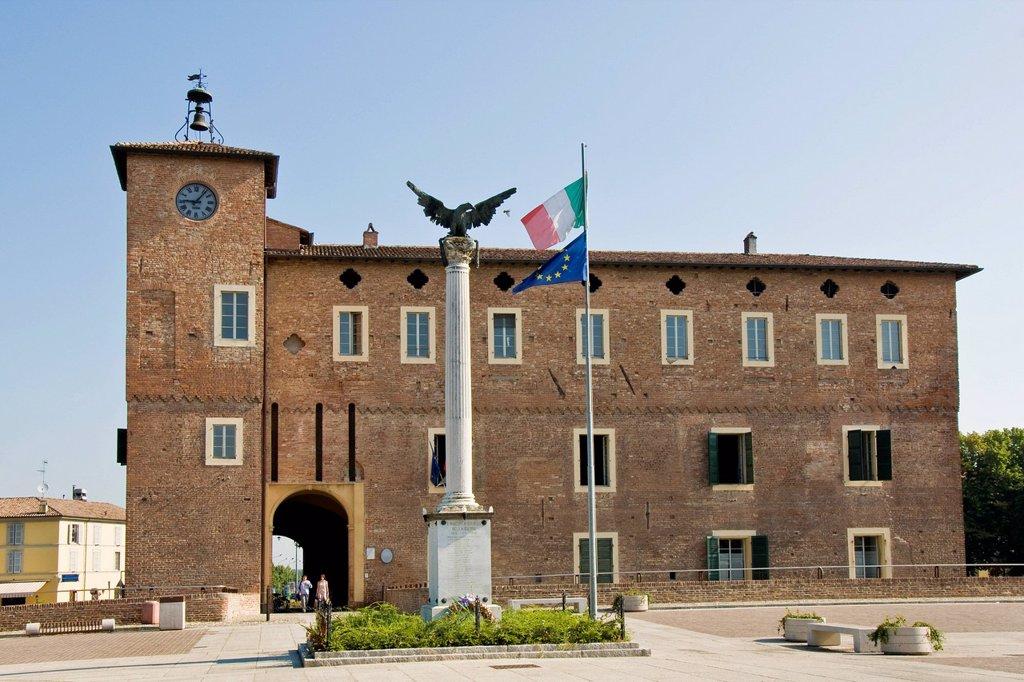 Stock Photo: 3153-864630 fortezza, borgonovo val tidone, emilia romagna, italia. Italy, Emilia Romagna, Borgonovo Val Tidone, Borgonovo fortress