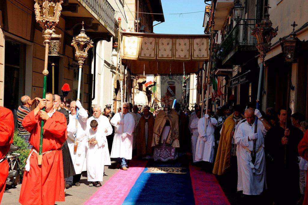 Stock Photo: 3153-867396 processione del corpus domini, camaiore, italia. procession of Corpus Christi, Camaiore, Italy