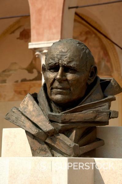 Stock Photo: 3153-879059 statue of Pope John Paul II, sanctuary of the Madonna delle Grazie, Grazie di Curtatone, Italy