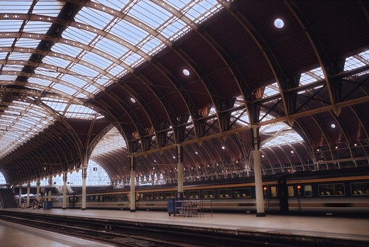 Stock Photo: 4009-631 Interiors of a railroad station, London, England