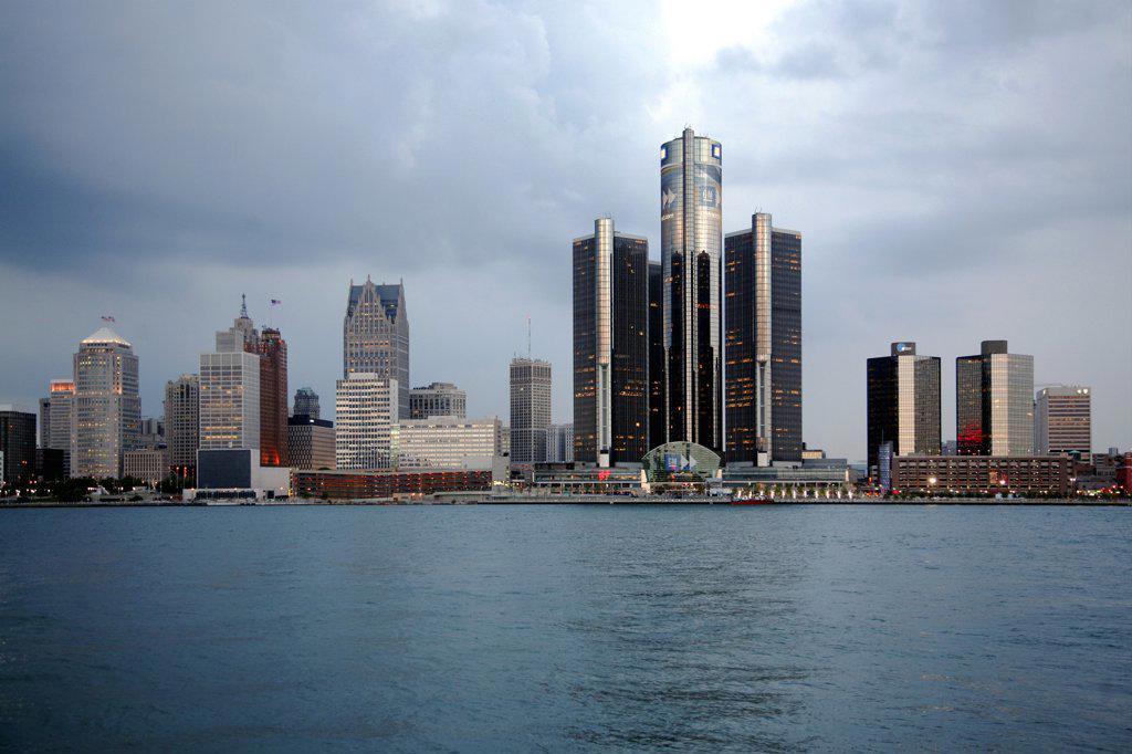 USA,   Michigan,   Detroit,   Riverfront with Renaissance Center : Stock Photo