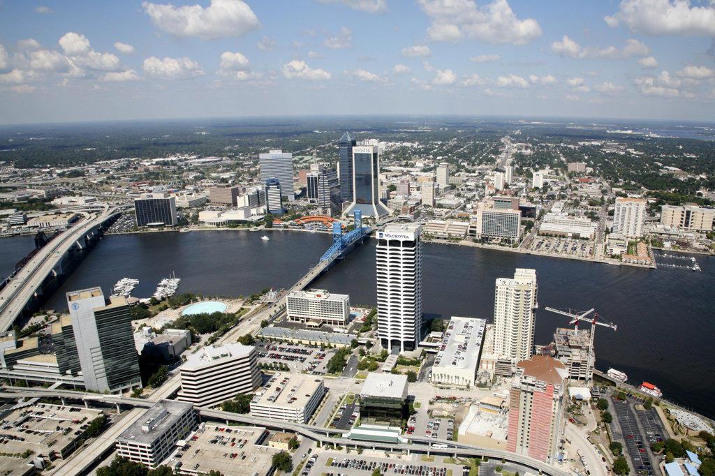 USA,   Florida,   Jacksonville,   Cityscape over Saint John's River : Stock Photo