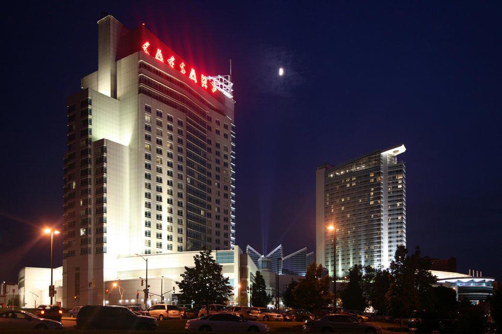 Stock Photo: 4017-1856 Caesers Hotel and Casino in Windsor, Ontario
