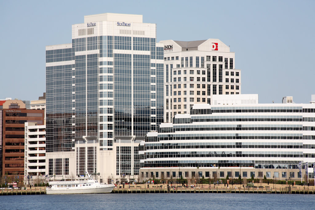 Stock Photo: 4017-2191 Norfolk, Virginia Syline from Elizabeth River