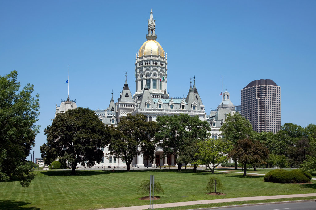Stock Photo: 4017-2544 Government building in downtown, Connecticut State Capitol, Hartford, Connecticut, USA