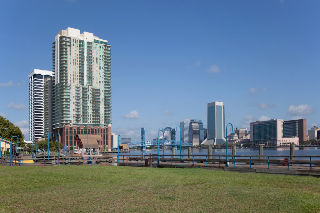 Stock Photo: 4017-2593 Skyscrapers at the waterfront, St. John's River, Jacksonville, Florida, USA