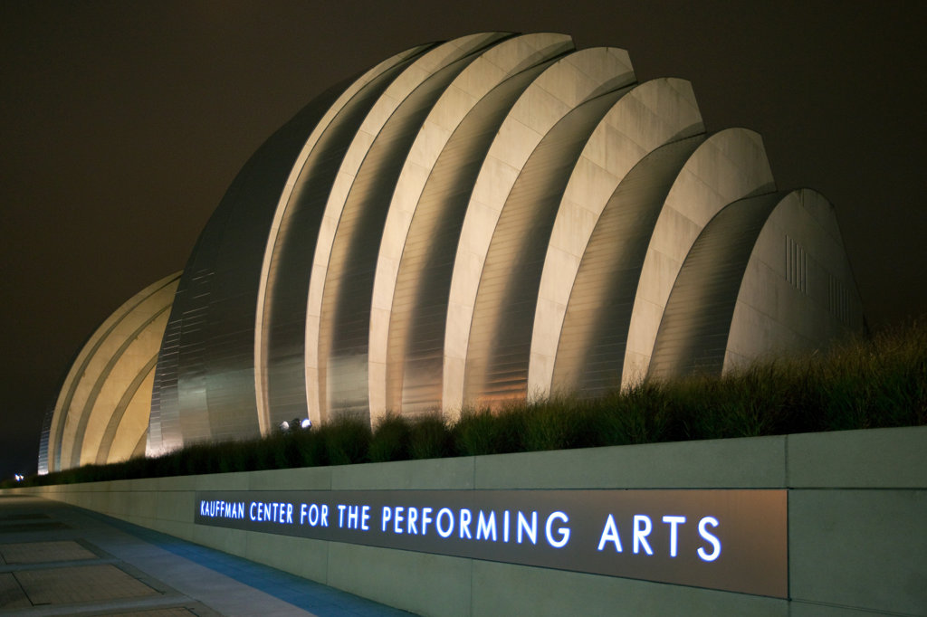 Stock Photo: 4017-2611 The Kauffman Center for the Performing Arts in downtown Kansas City, Missouri, USA