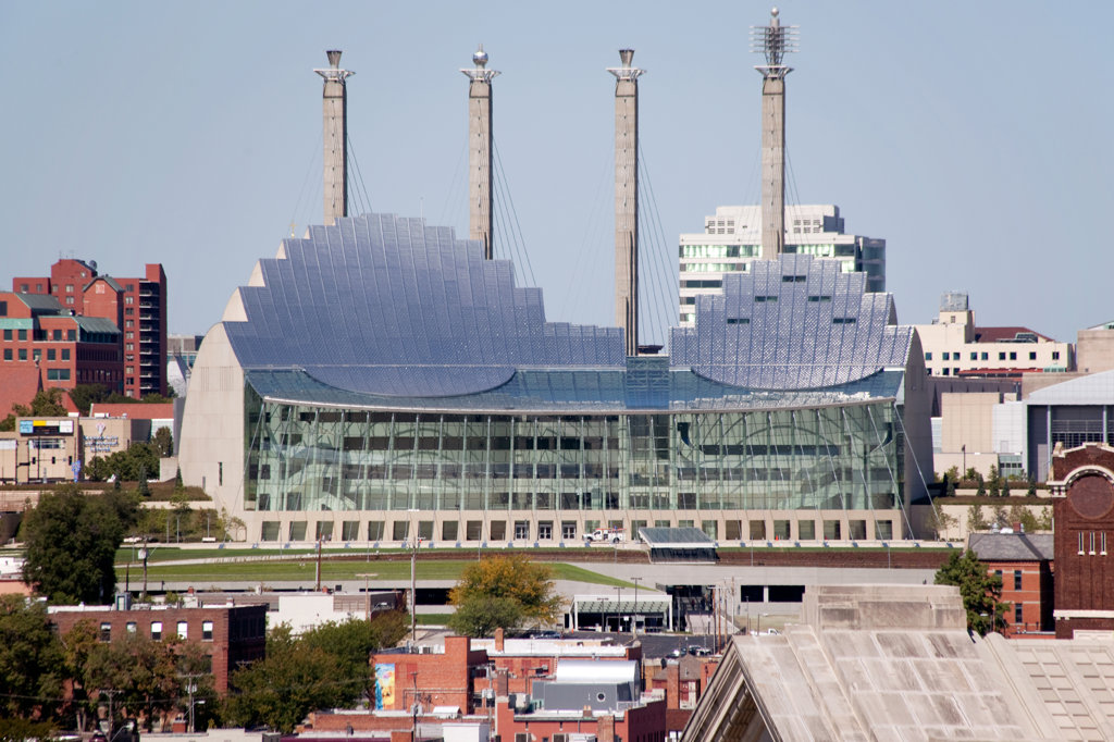 Stock Photo: 4017-2630 The Kauffman Center for the Performing Arts and Bartle Hall Convention Center in downtown Kansas City, Missouri, USA
