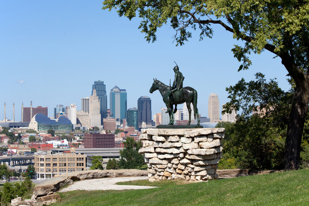 The Scout statue in Penn Valley Park overlooking downtown Kansas City, Missouri, USA : Stock Photo