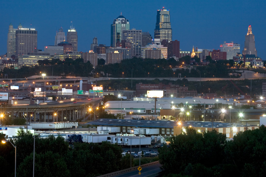 Kansas City skyline from KCK at dusk, Missouri, USA : Stock Photo
