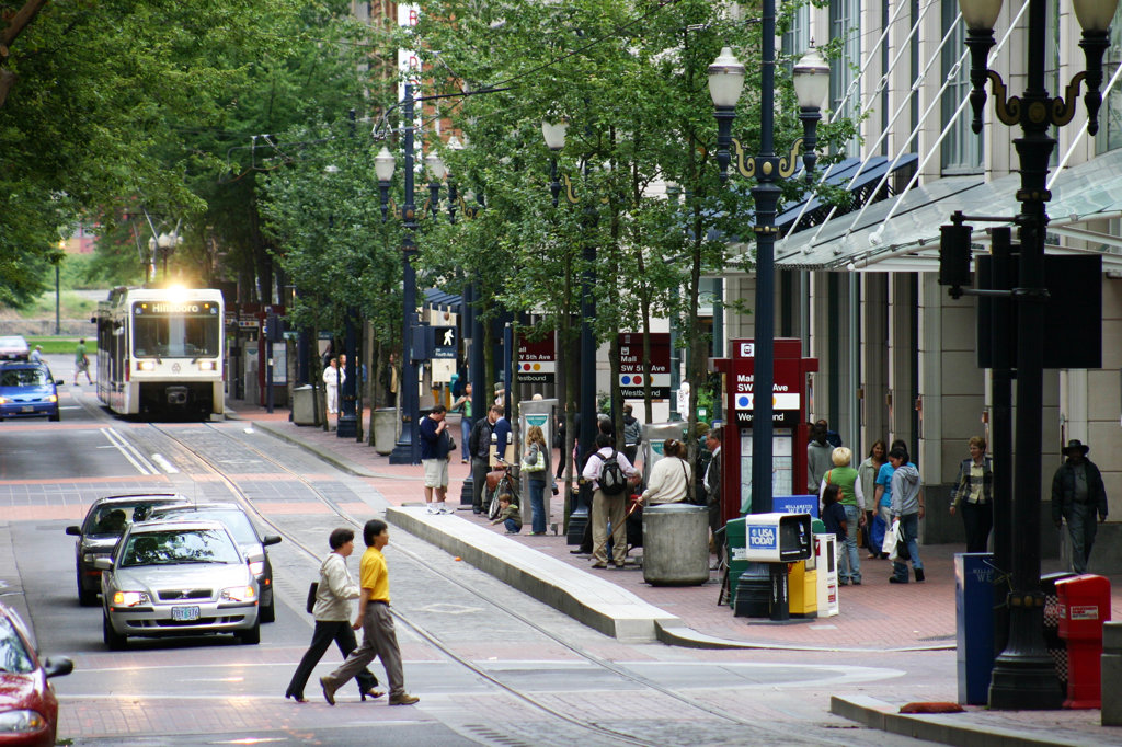 Pedestrians near max light rail line in downtown Portland, Oregon, USA : Stock Photo