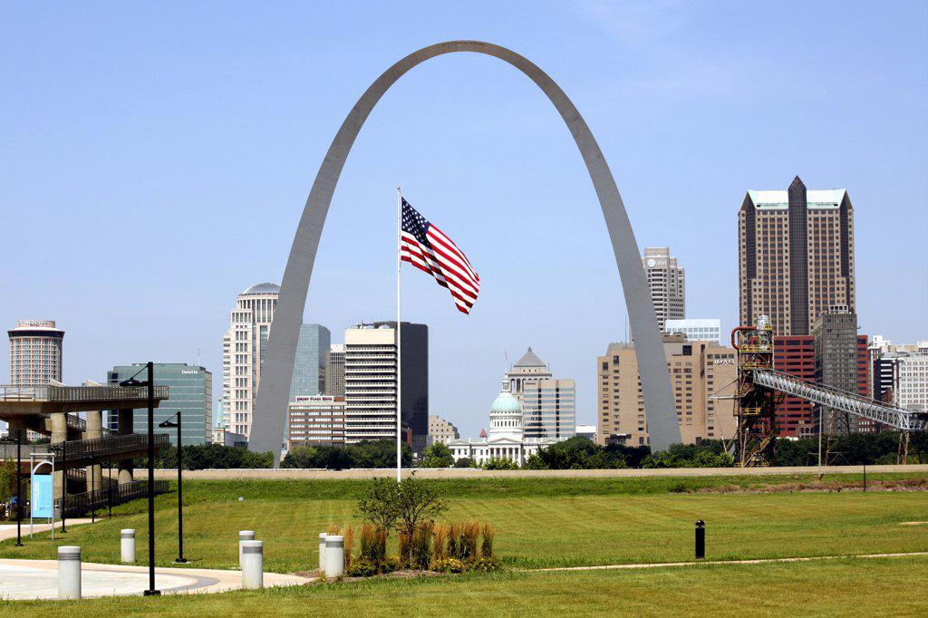 Stock Photo: 4017-295 USA,   Missouri,   Saint Louis,   Gateway Arch