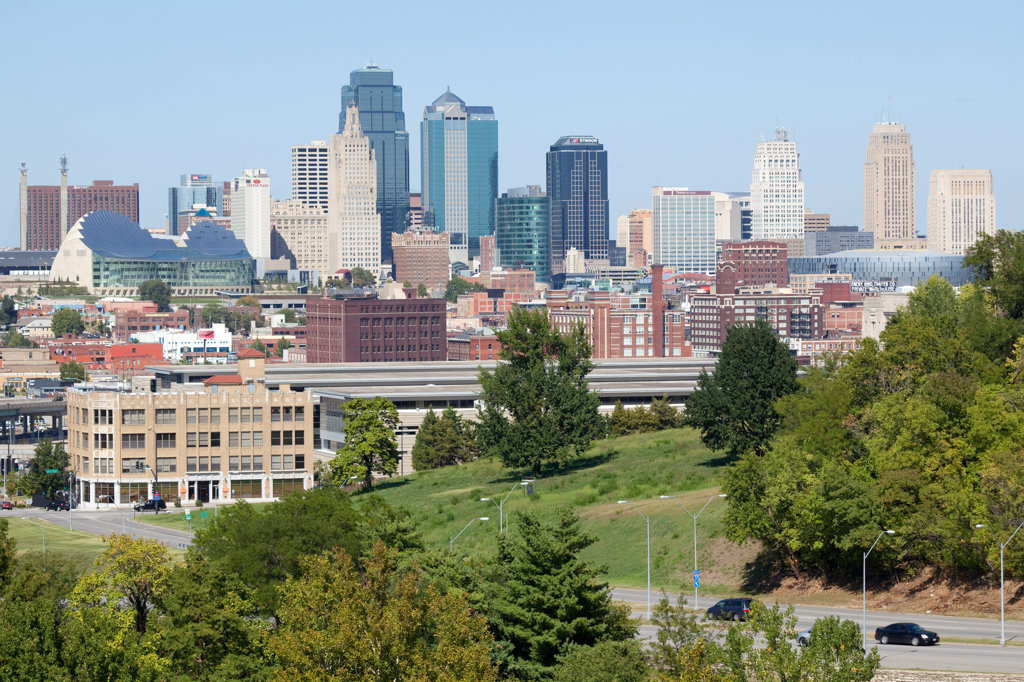 View of downtown Kansas City and the Crossroads Arts District from Penn Valley Park, Missouri, USA : Stock Photo