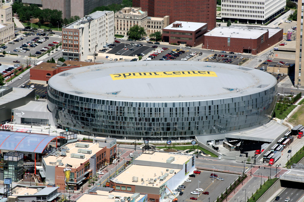 Aerial view of Sprint Center arena in downtown Kansas City, Missouri, USA : Stock Photo