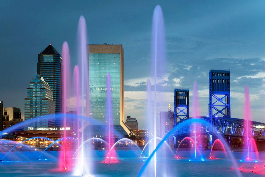Stock Photo: 4017-3156 Fountain with skyscrapers in the background, Friendship Fountain, St. John's River, Jacksonville, Florida, USA